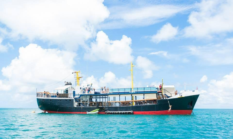 D-Boat, Antigua's New Floating Bar - Antigua