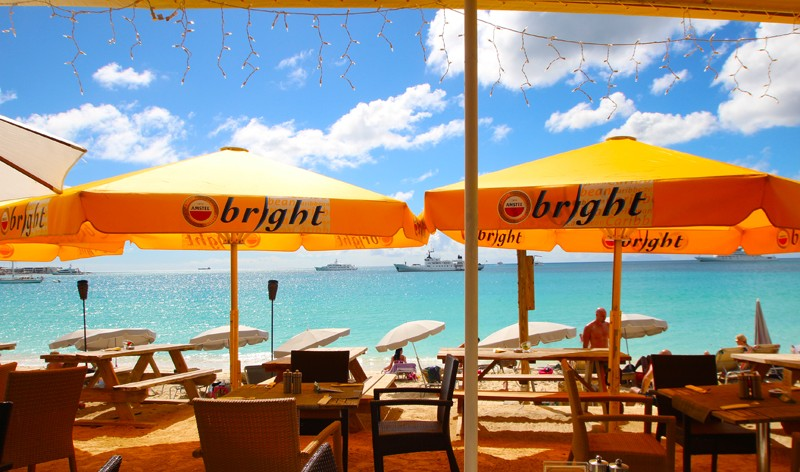 Karakter Beach Bar & Restaurant - St. Maarten