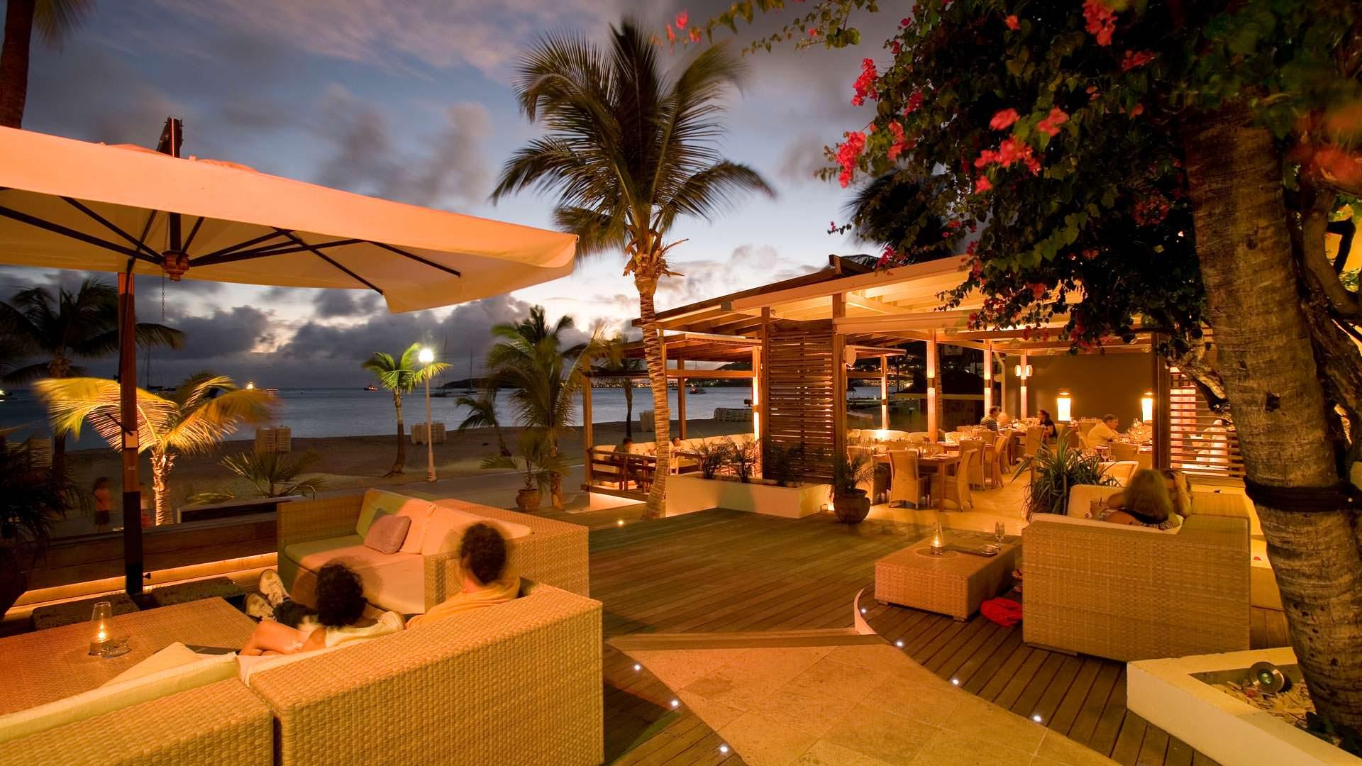 Holland House Beach Hotel St Maarten